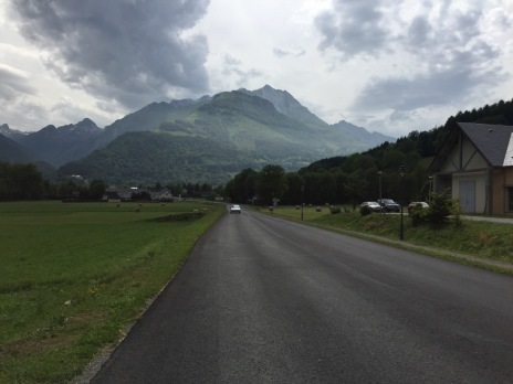 Heading towards the Col D'Aubisque